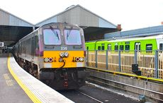 Thumb_enterprise_train_linkin_belfast_and_dublin__at_connolly_station__dublin._-_panoramio