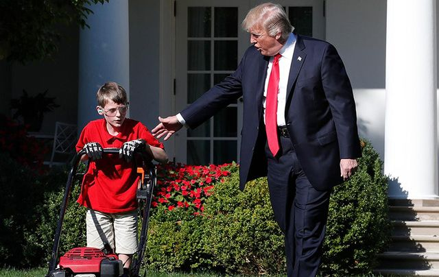 Frank Giaccio and Donald Trump on the lawn of the White House