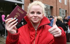 Thumb_mi_passport_photos_woman_blonde_irish_photocall