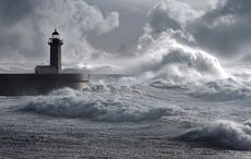 Thumb_storm_lighthouse_istock