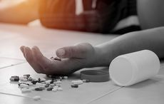 Thumb_opioid_drug_addition_pain_killer_overdose_istock