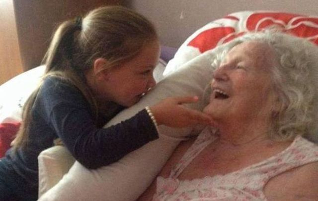 "Five-year-old Sophie Miller sings ""You are my sunshine"" as she meets her great-grandmother for the first time in over four years."