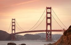 Thumb_golden-gate-bridge-388917_960_720