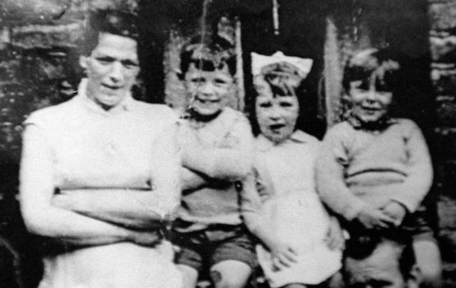 One of the Irish Republican Army\'s (IRA) Jean McConville, with some of her 10 children.