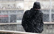 Thumb_snow_millenium_bridge_cold_dublin_rollingnews
