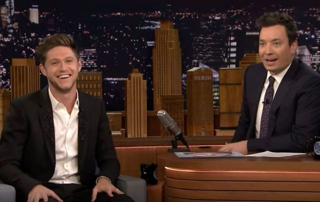 Irish man Niall Horan explains the Irish phenomenon of the \'12 Pubs of Christmas\' to Jimmy Fallon on The Tonight Show.