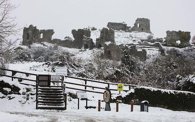Rock of Dunamase, County Laois under snow.