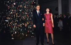 Thumb jfk jackie christmas 1962   getty