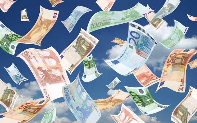 Falling euros.