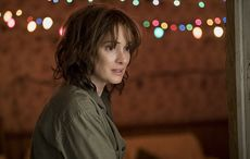 Thumb_netflix_winona_ryder_stranger_things