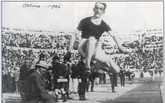 Peter O\'Connor competing in the 1906 Olympics.