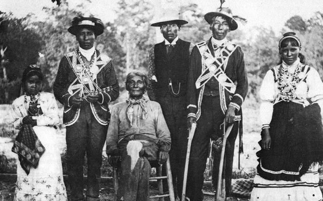 An old photo of Choctaw tribe members.