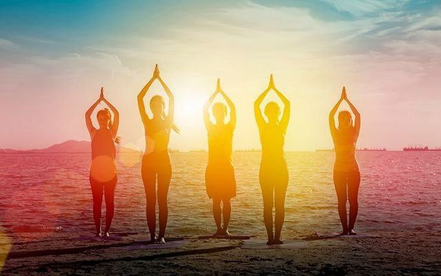 """Get your \""""Namaste\"""" on with a spot of pre-work yoga at this #Umove inaugural event!"""