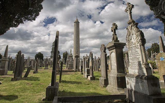 The O\'Connell Tower, in Glasnevin Cemetery, in Dublin.