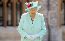 Thumb queen elizabeth gettyimages 1256694069