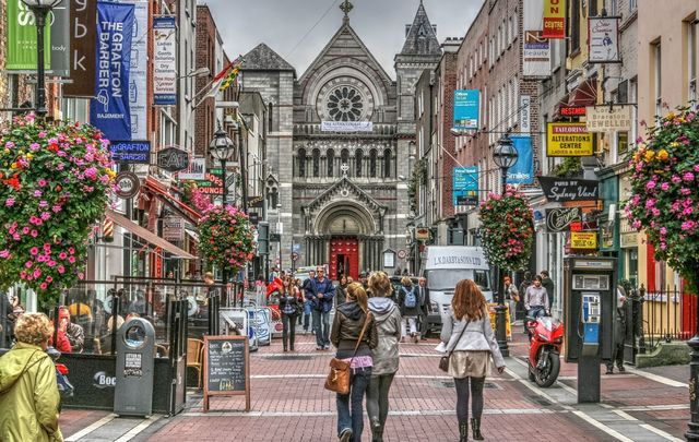 Sth Anne\'s Street, Dublin: A sunny day in May! Where else would you be.