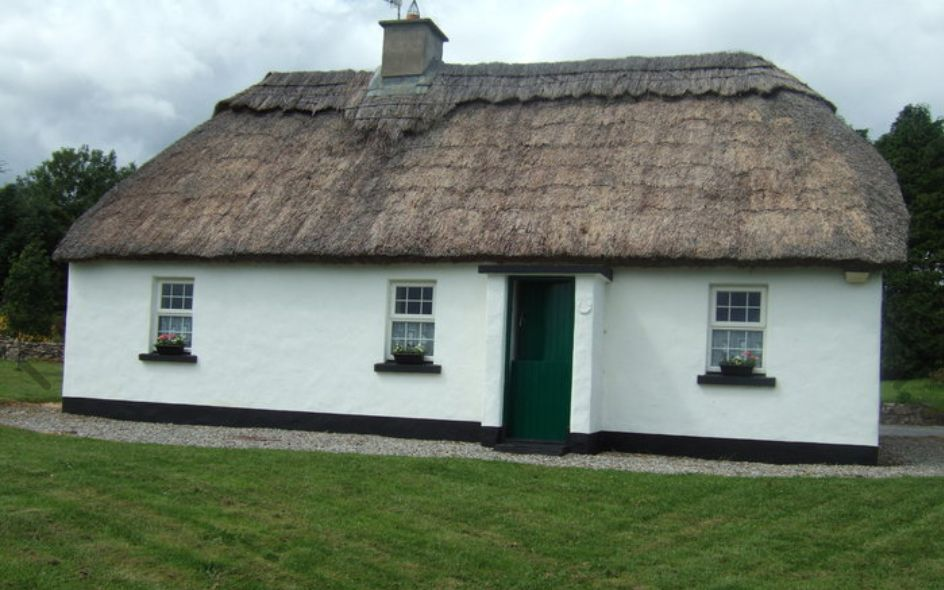 Traditional Irish thatched cottage for sale in Co. Clare ...