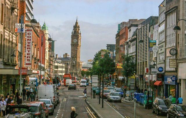A street view of Belfast near the city center