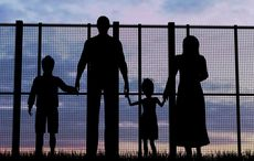 Thumb_refugee-family-immigration-istock