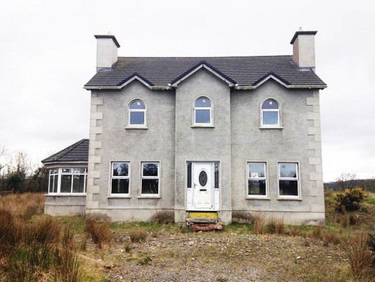 A four-bedroom detached house in Magheracorran, County Donegal, to be auctioned at a reserve price of just $22,000 (€15,000).