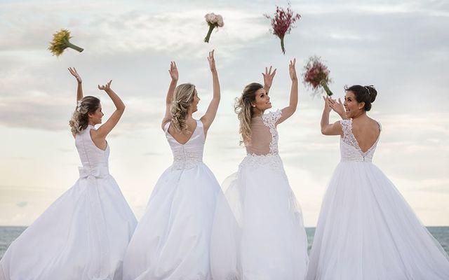 Guinness breaking Irish ladies wearing wedding dresses ...