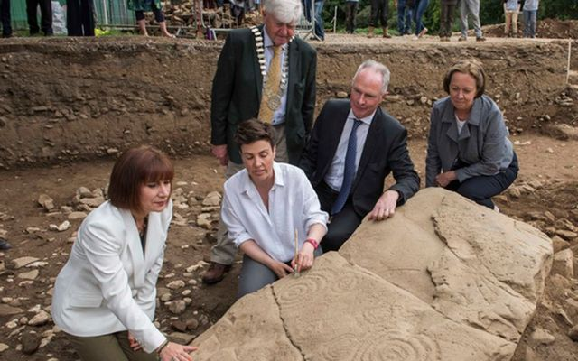 The Minister for Culture, Heritage and the Gaeltacht, Josepha Madigan, TD, at Dowth Hall in County Meath to see a 5,500-year-old passage tomb cemetery discovered over recent months.