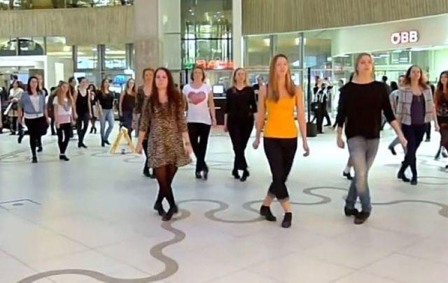 Austrian\'s take on the Irish dance flash mob