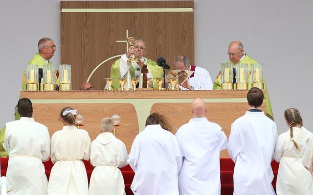 Pope Francis saying Mass at Phoenix Park, in Dublin.