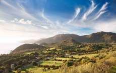 Thumb_irish-countryside-coast-getty