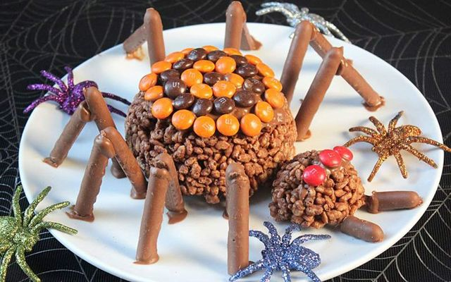 Spooky Halloween Rice Krispie spiders