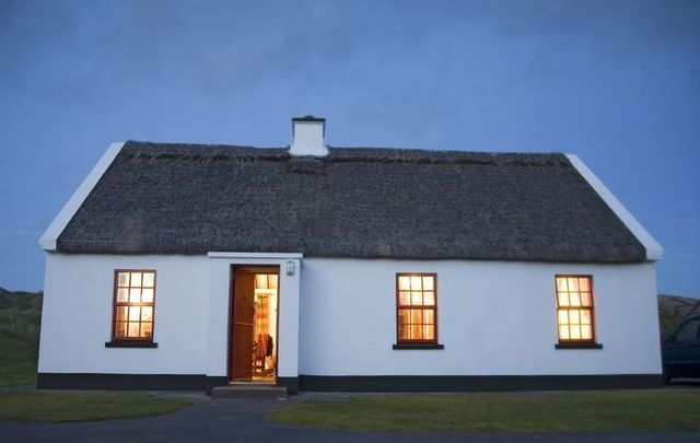 Stay in an Irish traditional thatched cottage on your next trip