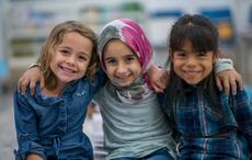 Thumb_three-friends-smiling-getty