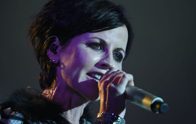 Dolores O\'Riordan sings \'Angela\'s Song\' in new Netflix film