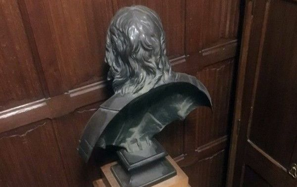 Labour MP Stephen Pound continued to turn the bust of Oliver Cromwell to face a wall.