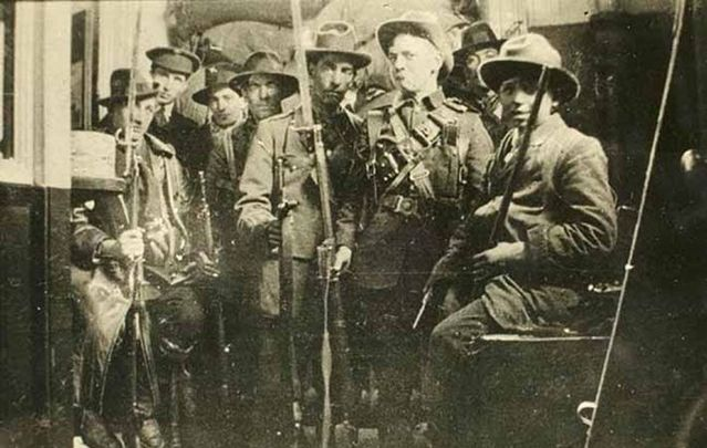 Members of the Irish Republican Army photographed during the 1916 Easter Rising