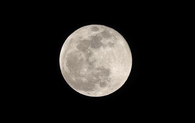 A Super Snow Moon will light up Irish skies tonight