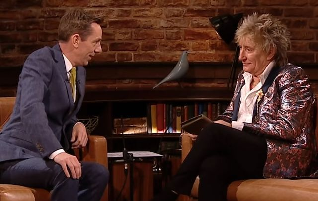 Ryan Tubridy presented Rod Stewart with a very special gift