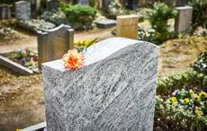 Thumb_grave-cemetery-gettyimages-960586418