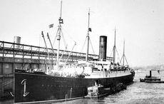 Thumb carpathia arriving nyc titanic survivors.flickr