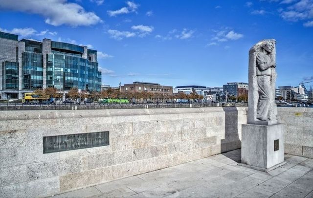The Matt Talbot memorial statue at the Talbot Memorial Bridge in Dublin\'s City Centre.