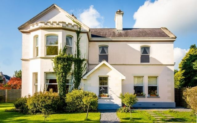 Stay in style at Galway Manor and Cottage