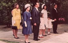 Remarkable footage shows Queen honoring JFK at his UK memorial