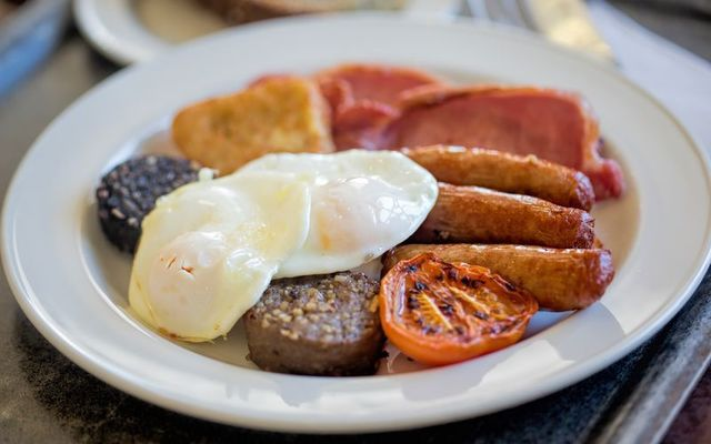 Was a full Irish breakfast voted as Ireland\'s favorite meal?
