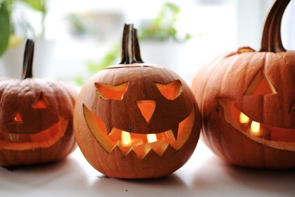 Should Halloween be moved to the last Saturday in October?