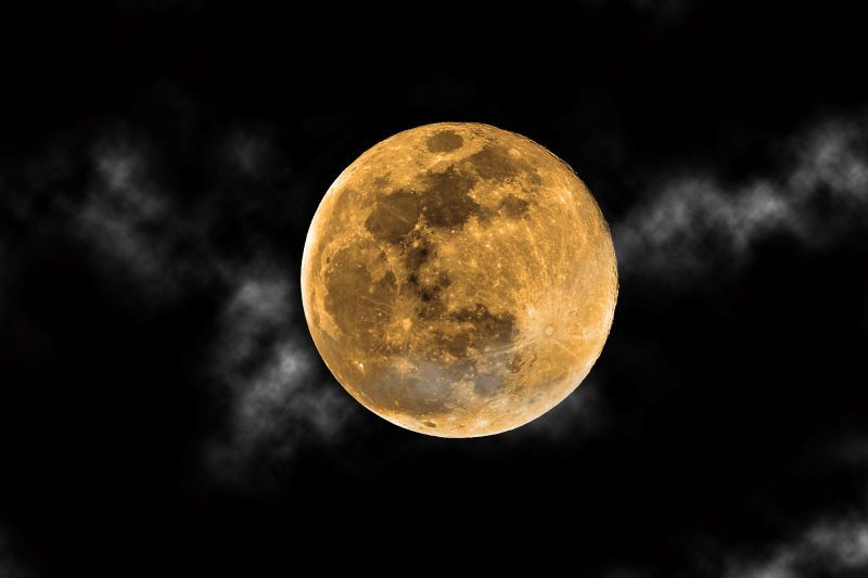 Rare Harvest 'Micro Full Moon' to rise over Ireland on Friday the 13th - IrishCentral