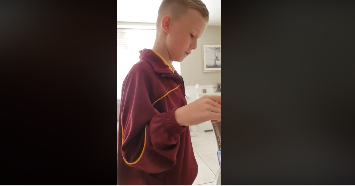 Irish boy with autism stuns mother with amazing singing voice