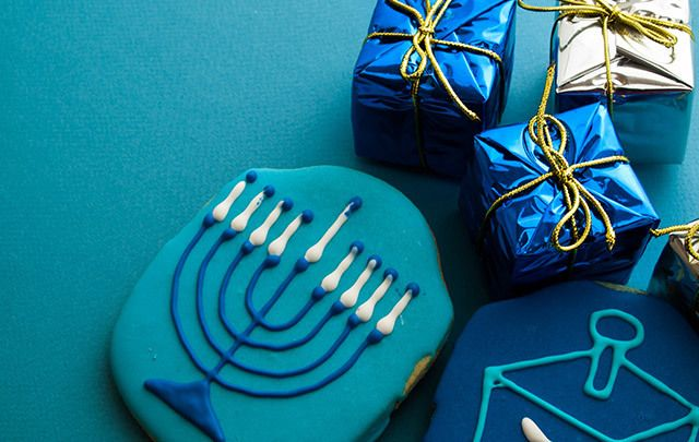 How one Bronx family's Christmas was saved by the generosity of their Jewish neighbors.