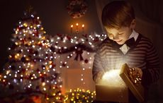 Thumb_little_boy_tree_presents_christmas_istock