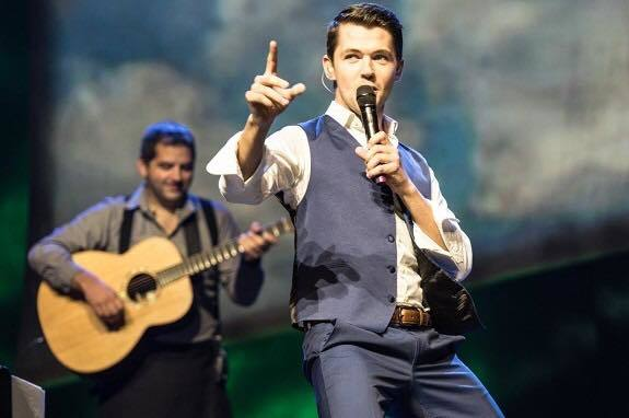 Former Celtic Thunder singer Damian McGinty talks to IrishCentral about his blossoming career and pinch me Hollywood moments.