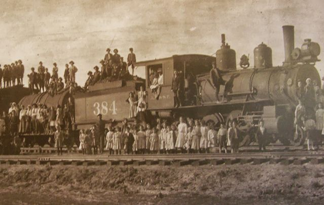 "An estimated 273,000 orphaned children were transported on ""orphan trains"" from New York City to foster homes across the U.S. between 1853 and 1929."